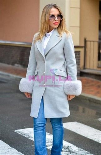 Кашемировое пальто с рукавами из песца