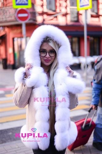 Пальто из кашемира с мехом и капюшоном